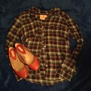 Abercrombie button up flannel.