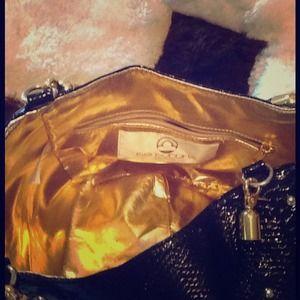 Handbag w/gold lining, & gold tone hardware