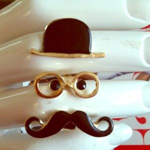 Face-mustache ring