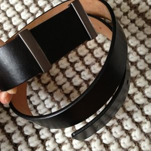 Black kenneth cole belt