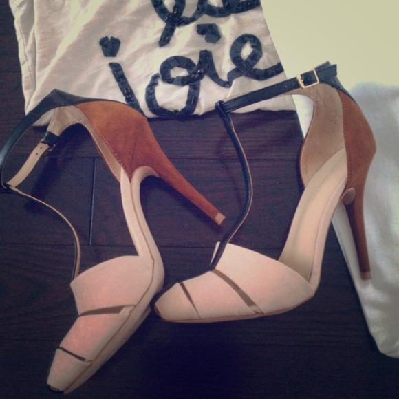 BNWOT-Zara Colorblock Sandals