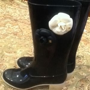 1000% authentic Chanel boots