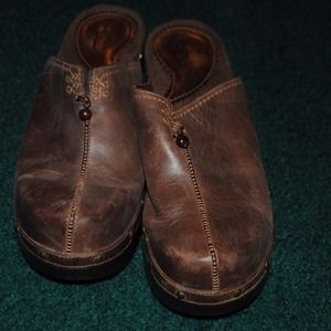 Super comfy vintage looking shoe brown
