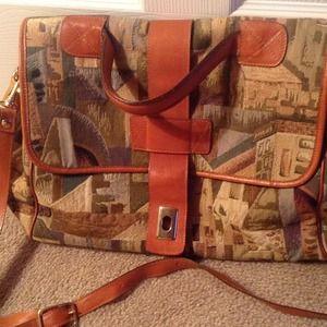 Handbags - Great travel or work bag😃