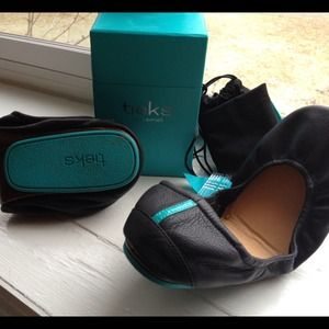 ***SOLD**** Tieks black flats
