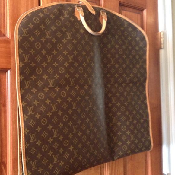 f91a581b5a18 Louis Vuitton Handbags - Authentic Louis Vuitton Garment Bag Suit Carrier