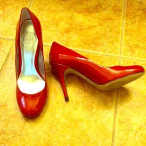 Jessica Simpson Shoes - Ruby Red Jessica Simpson Heels🎉reduced!