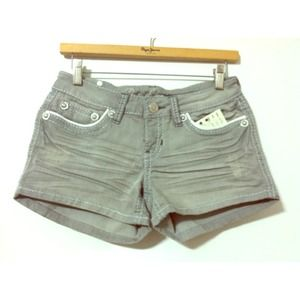 ❗Reduced❗Cute grey studded shorts! Brand new!