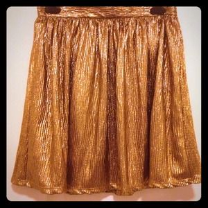 Dresses & Skirts - 🎀reduced🎀Stunning gold skirt NWT