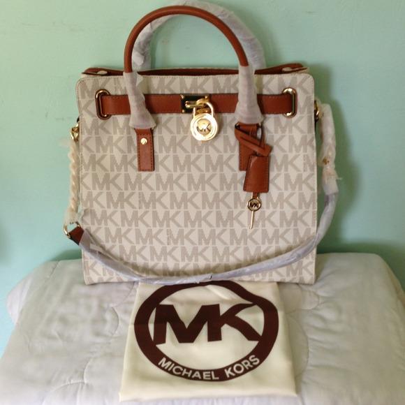 40da8d2206e3f7 Michael Kors Bags | Hamilton Large Vanilla Signature Tote | Poshmark