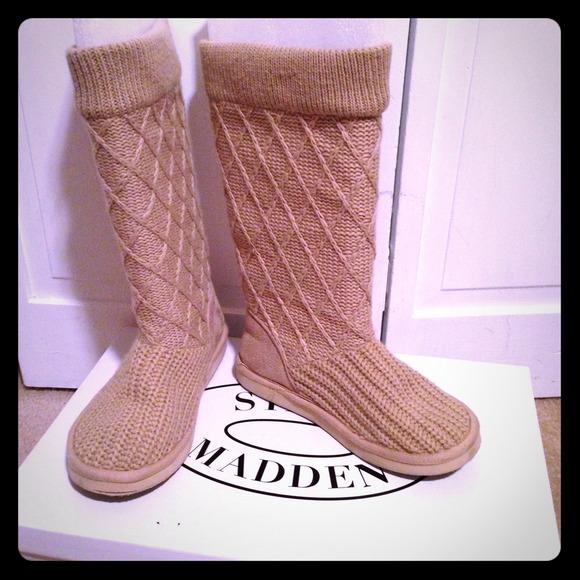 b991996a61 Steve Madden Boots - ️Steve Madden knit winter boots