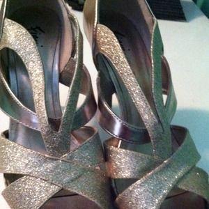 ba69d74add1 Shoes - Gold heels