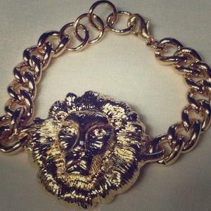 🌟🌟BRAND NEW GOLD LION HEAD BRACELET 🌟🌟