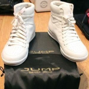 Women's JUMP Sneaker Deluxe Vanquish