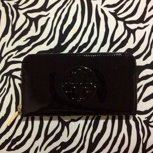NWT TORY BURCH Patent Leather Continental wallet