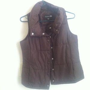 Outerwear - Chocolate brown puff vest