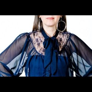 Tops - Top with lace
