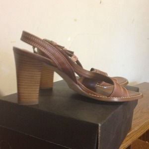 apostrophe Shoes - Medium brown sandals stack about 3 1/2 in heels