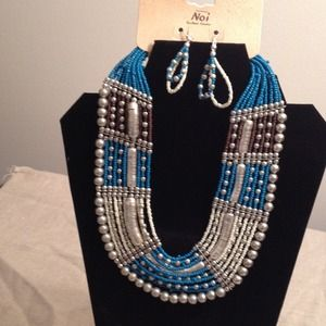 Jewelry - Necklace And Earring Set-HP 10/27👛👛👛👛