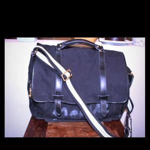 Price reduction!!Juicy Couture Black Messenger bag