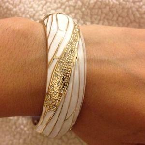 White and gold-tone bangle bracelet