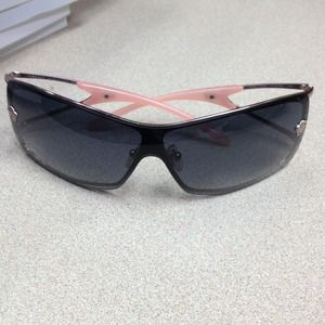 Ladies Versace sunglasses w/ white case
