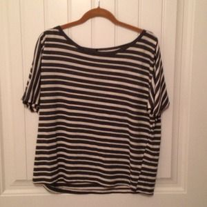 Tops - Grey and white oversized tee