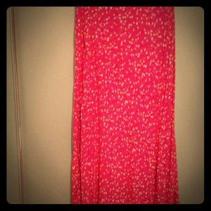 Dresses & Skirts - Ankle length red floral skirt in a sz 12!