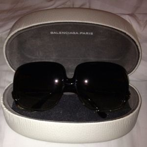 New Balenciaga Oversized Sunglasses w/ Case