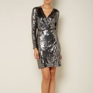 🎉HOST PICK🎉New Michael kors sequined wrap dress