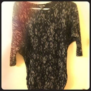 Forever 21 Tops - Sweater material 3/4 sleeve top