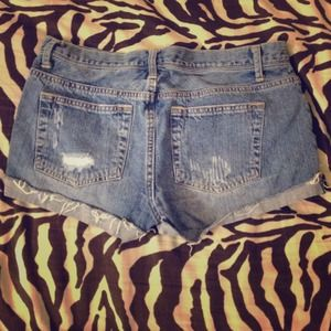 Forever 21 Denim - Cute cuffed jean shorts !
