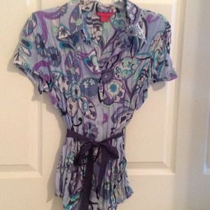 * Reduced*Fabulous colorful blue spring top