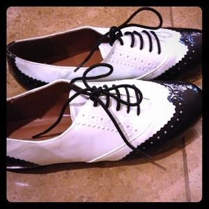 Classic oxfords 8.5 new