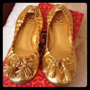 💜SOLD💜100% Authentic ✨Gold Tory Burch plat shoes
