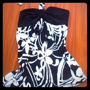 Tops - Patterned black and white halter top