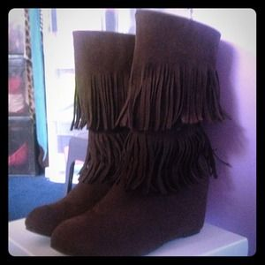 Brown suede fringe wedge boots