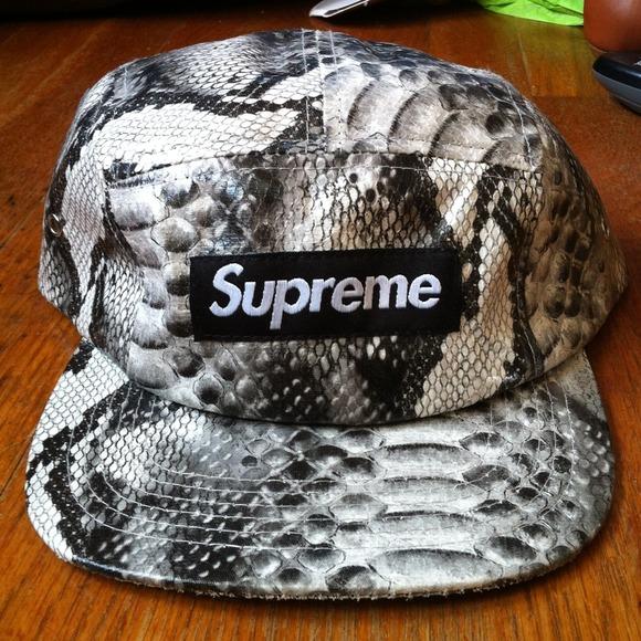 Supreme Snakeskin Hat. M 51608874a9e4145524017c90 23a5e294142