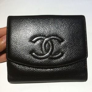 Chanel caviar wallet 100%authentic