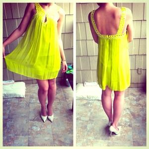 🎉❤HOST PICK X2 🎉❤BCBG neon yellow chiffon dress