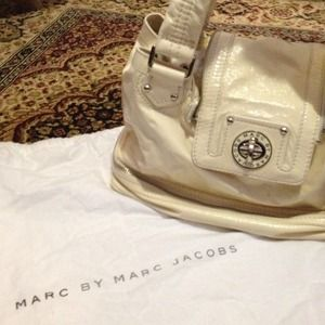 Marc by marc Jacobs cream patent leather bag