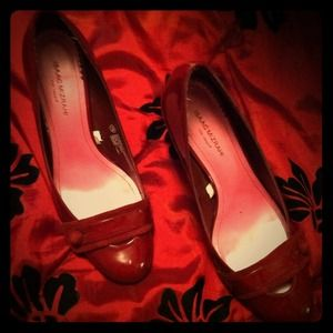 Isaac Mizrahi red Jasmine Pumps