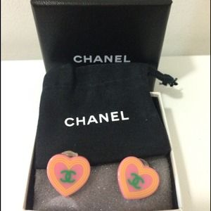 100% authentic CHANEL clip on earrings