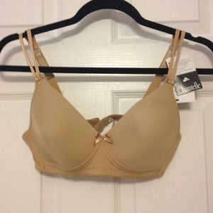 57 off chantelle other chantelle c magnifique for Chantelle rive gauche t shirt bra