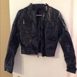 Cute Leather jacket sz m