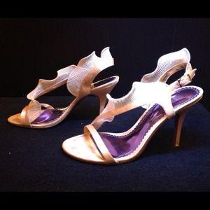 Shoes - Cute Ruffle Heels Size 7.5