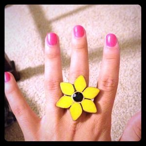 Betsy Johnson large sunflower ring