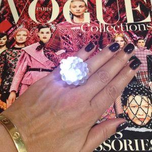 MOMA Jewelry - 2 Blinkiń Rings: Happens 'n Vegas Stays 'n Vegas