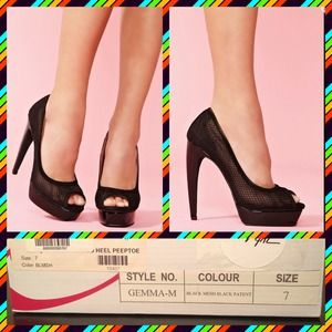 Jeffrey Campbell Shoes - JEFFREY CAMPBELL: Gemma Black Mesh Platform Pumps