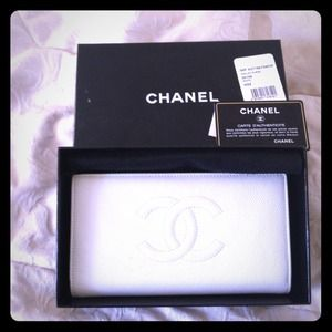 100% Authentic Chanel wallet 
